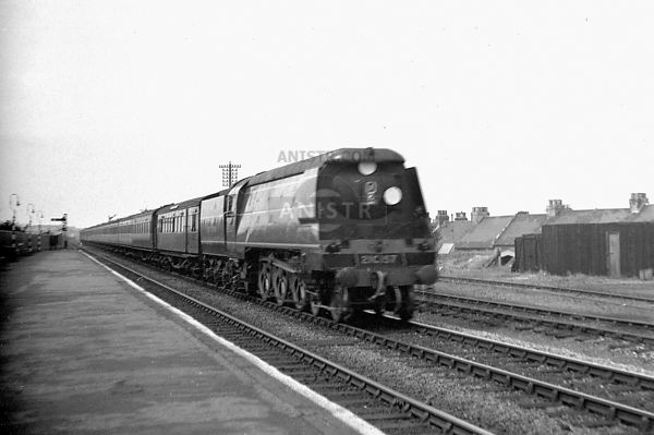 PHOTOS OF BRITAIN'S RAILWAYS BEFORE 1948 photo, images