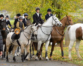 leaving the meet - Cottesmore Hunt Opening Meet, 24/10/2017