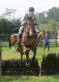 Marina Bealby - Cottesmore Hunt Relay, The Kennels, Ashwell, 1st September 2013.