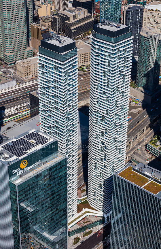 Harbour Plaza Towers, Toronto