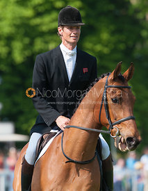 William Fox-Pitt retires Tamarillo at Badminton Horse Trials 2011