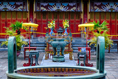 HUE, CITE INTERDITE//HUE, THE FORBIDDEN CITY
