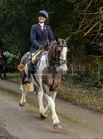 Boogie Machin leaving the Cottesmore Hunt meet at Little Dalby Hall