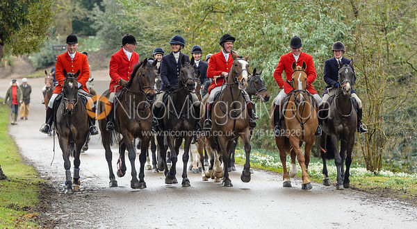 Kit Henson, David Manning, Justine Smiley-Jones, Tom Kingston, Michael Dungworth, Lady Sarah McCorquodale arriving at the meet