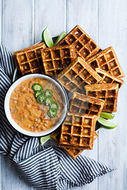 Waffles with queso