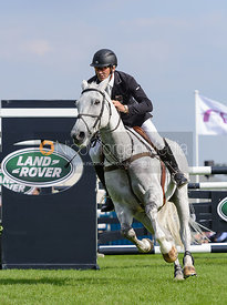 Andrew Nicholson and AVEBURY - show jumping phase, Burghley Horse Trials 2014.