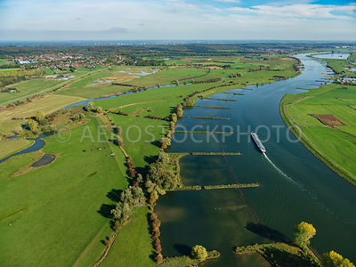 305348 | Amerongen, the Lower Rhine with on the left the Amerongse Bovenpolder.
