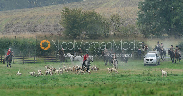 The Cottesmore hounds at Stone Lodge 22/9