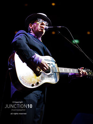 100-4221 Elvis Costello