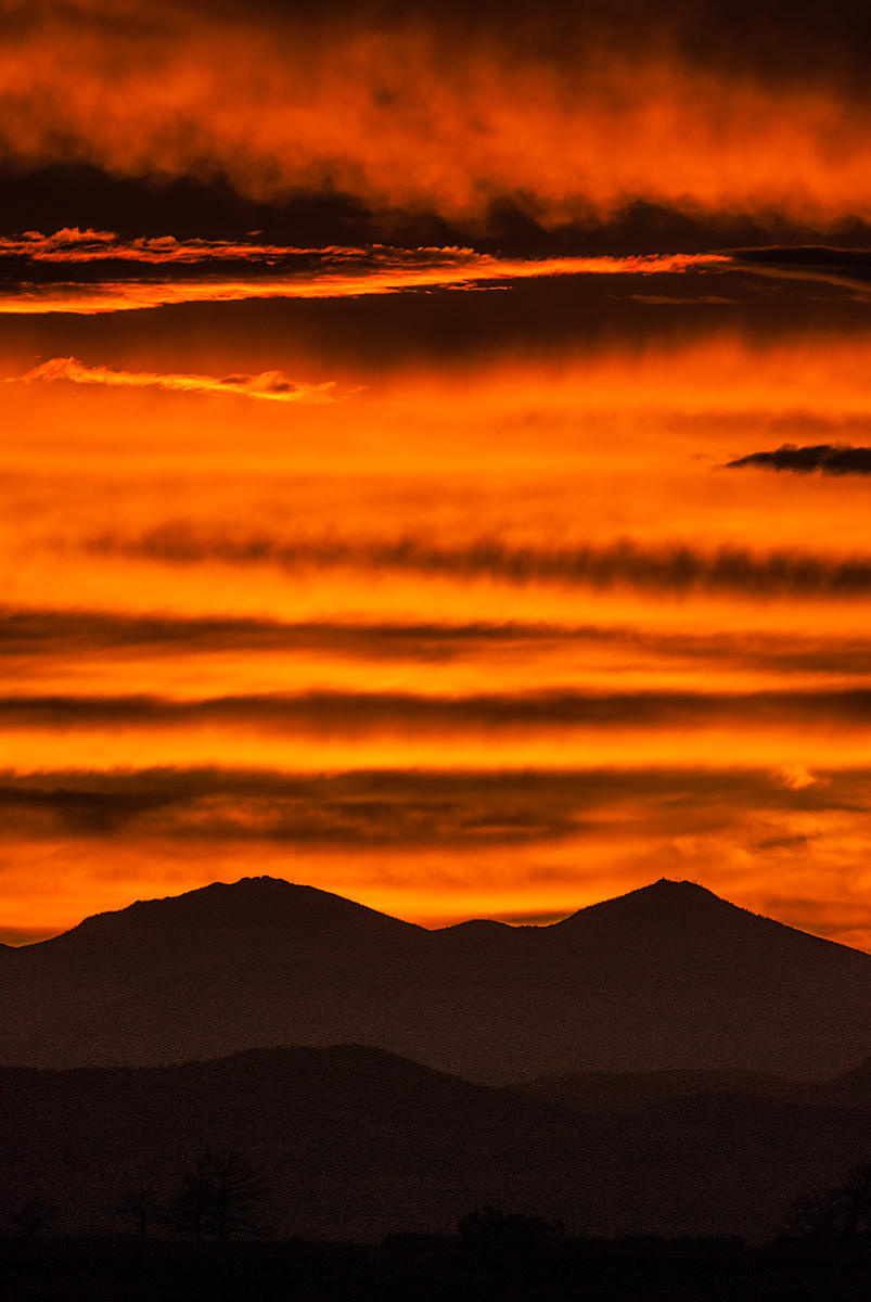 Another beautiful sunset over Daniels Ridge and Mount Evans