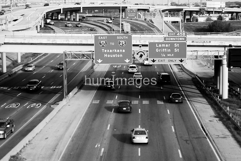 Busy highway in Dallas, Texas (black and white)
