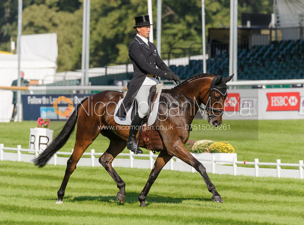 Andrew Nicholson and CALICO JOE - dressage phase,  Land Rover Burghley Horse Trials, 5th September 2013.
