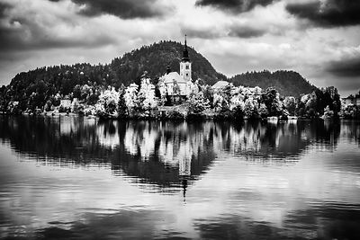 Moody Lake Bled
