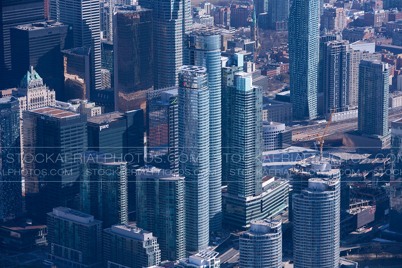 Ice Condominiums, Toronto