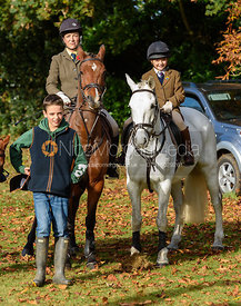 The Ashmore family at the meet - The Cottesmore at Somerby 5/11