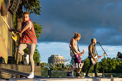 McBusted photos