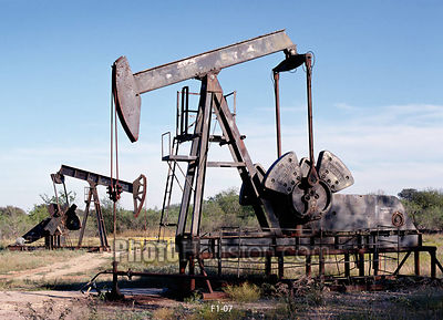 Texas Oil Wells in Luling