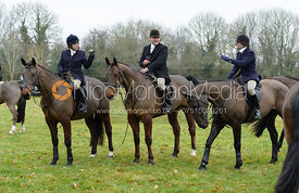 Roly Willcox, Martin Willcox, Lady Sarah McCorquodale at the meet at Wymondham