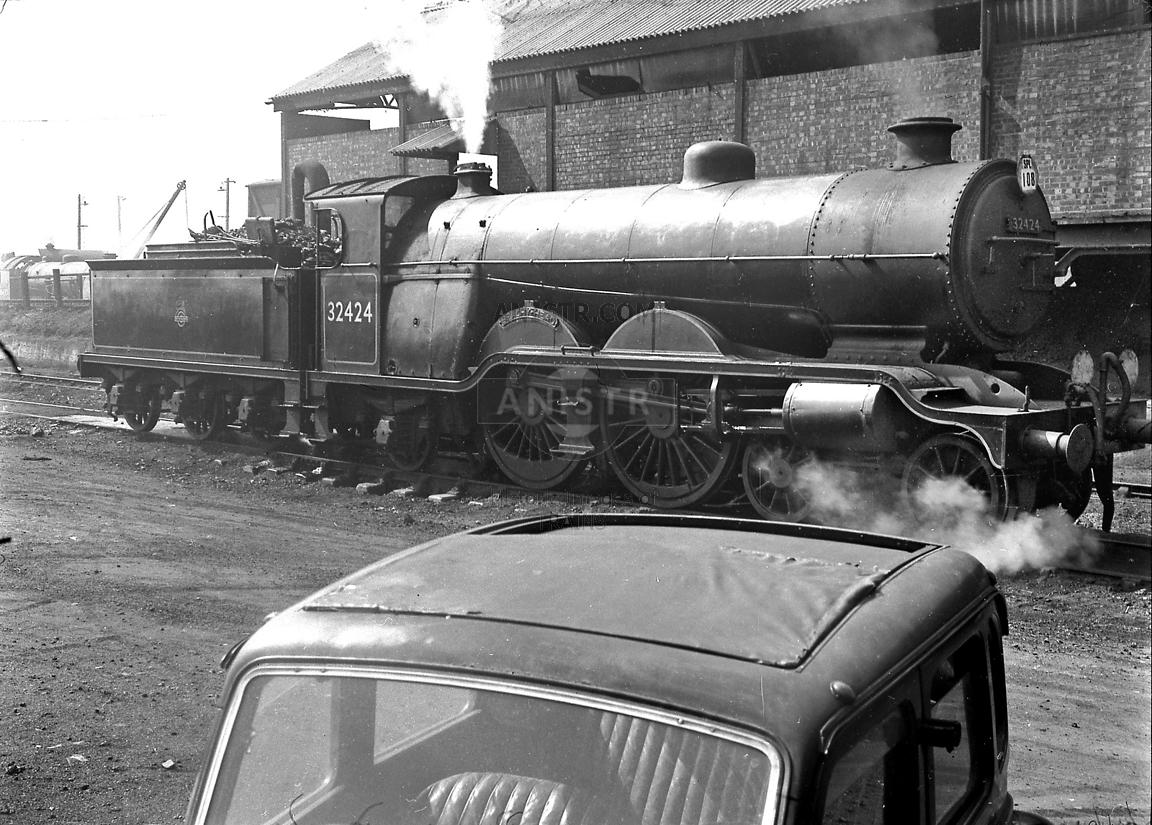 Steam loco H2 32424 Eastleigh