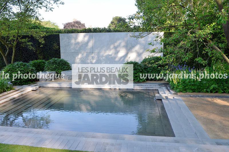 La phototh que les plus beaux jardins grand bassin carr jardin contemporain paysagiste - Grand bassin de jardin ...