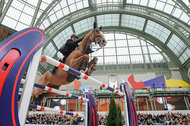 Paris, France, 17.3.2018, Sport, Reitsport, Saut Hermes - .PRIX GL Events Bild zeigt Laura RENWICK(GBR) riding Top Dollar v....17/03/18, Paris, France, Sport, Equestrian sport Saut Hermes - PRIX GL Events. Image shows Laura RENWICK(GBR) riding Top Dollar v..