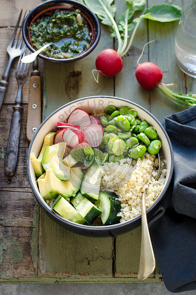 Buddha bowl with bulgur and vegetables