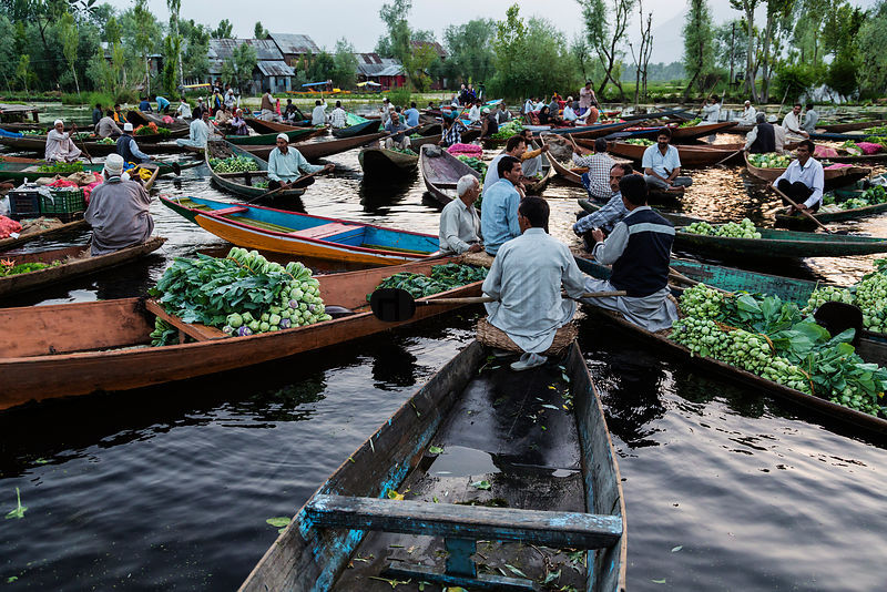 Shikaras in floating Market on Dal Lake