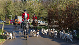 Andrew Osborne MFH arrives with the Cottesmore foxhounds