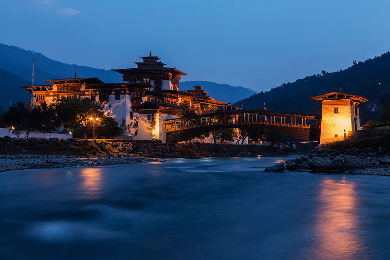 Punakha Dzong at Dusk