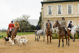 The Cottesmore hounds in front of the hotel