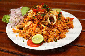 Arroz con mariscos / fried rice with fish and shellfish , Peru