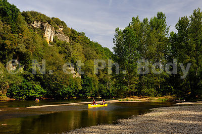 CANOE, DORDOGNE, PERIGORD, FRANCE//CANOEING, THE DORDOGNE RIVER, DORDOGNE, FRANCE
