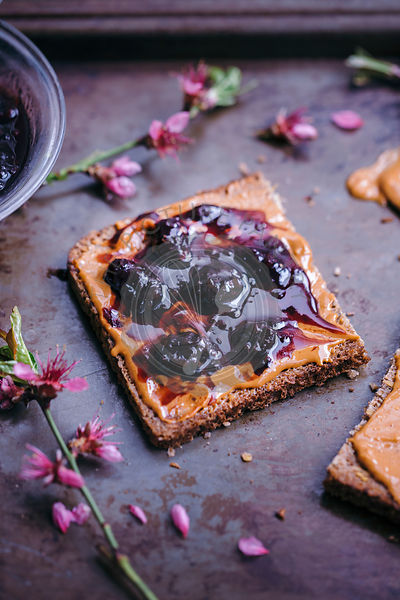 Peanut butter and blackberry jam toasts