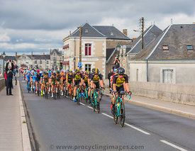 The Peloton in Amboise - Paris-Tours 2017
