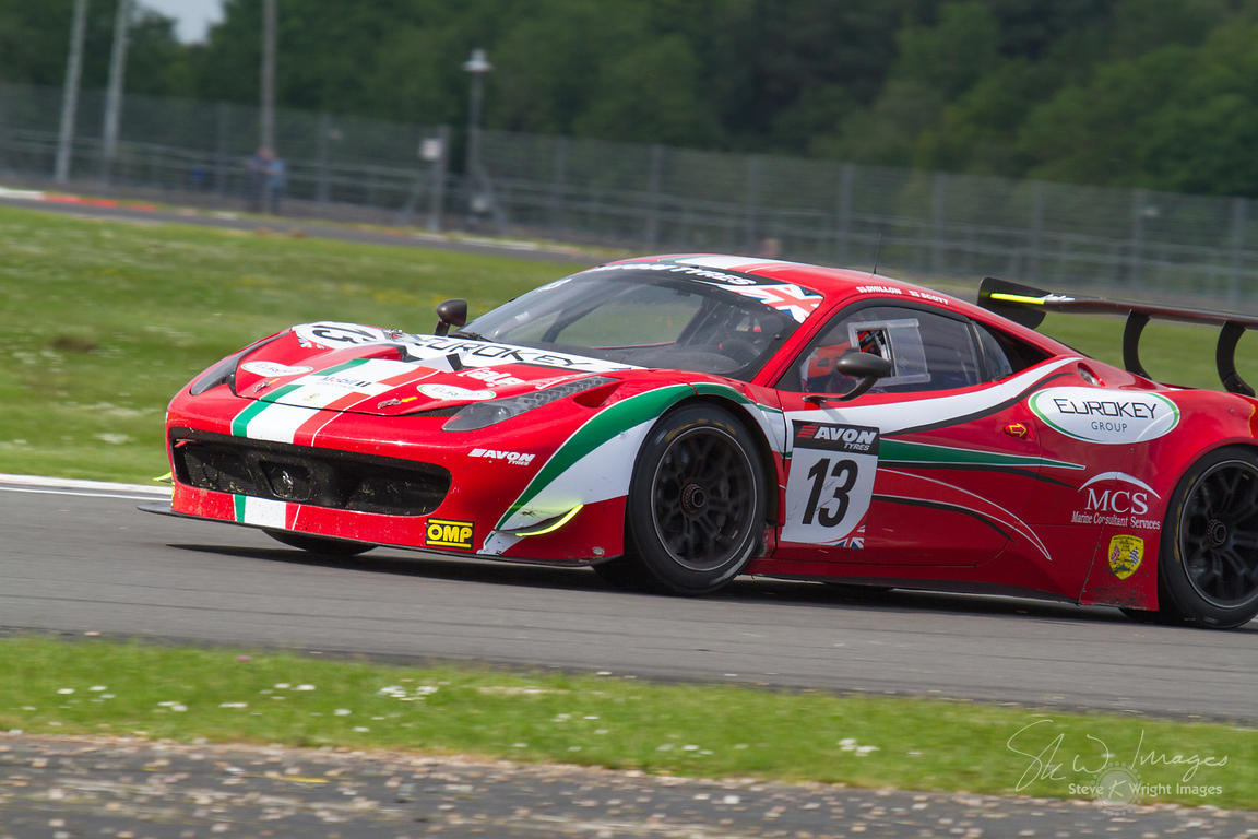 skw images the af corse ferrari 458 italia gt3 team in action at the silverstone 500 the. Black Bedroom Furniture Sets. Home Design Ideas