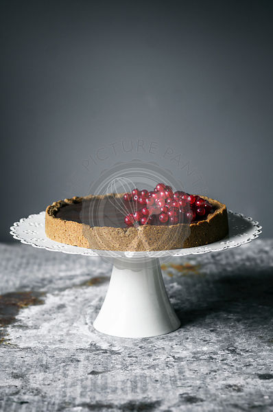 Chocolate hazelnut tart with redcurrants