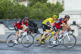 Yellow Jersey in Paris - Tour de France 2016