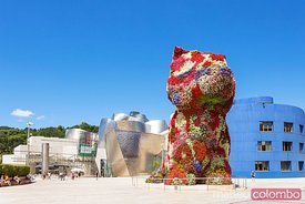 the Puppy sculpture by Jeff Koons, Bilbao, Spain