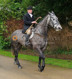 arriving at the meet - The Cottesmore Hunt at Little Dalby 7/2