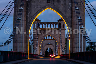 FRANCE, PONT DE LANGEAIS//FRANCE, BRIDGE OF LANGEAIS