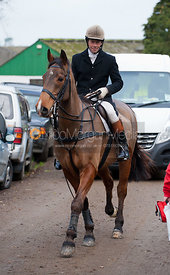 Jimmy Couldrey - The Quorn Hunt at Centaur Stud, Cold Newton 18/11/11.