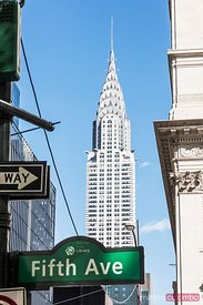 Chrysler building and 5th avenue sign, New York, USA