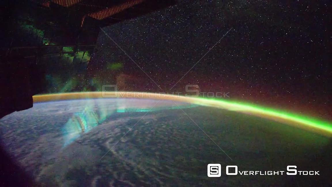 Time-Lapse from ISS over  Pacific Ocean Aurora Australis Exp29 18 Sep 2011