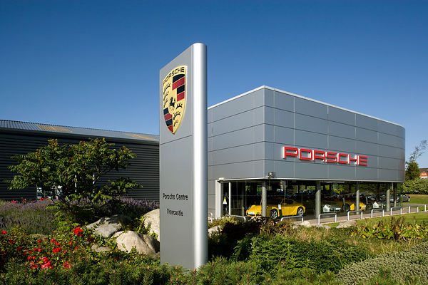 uk porsche dealership