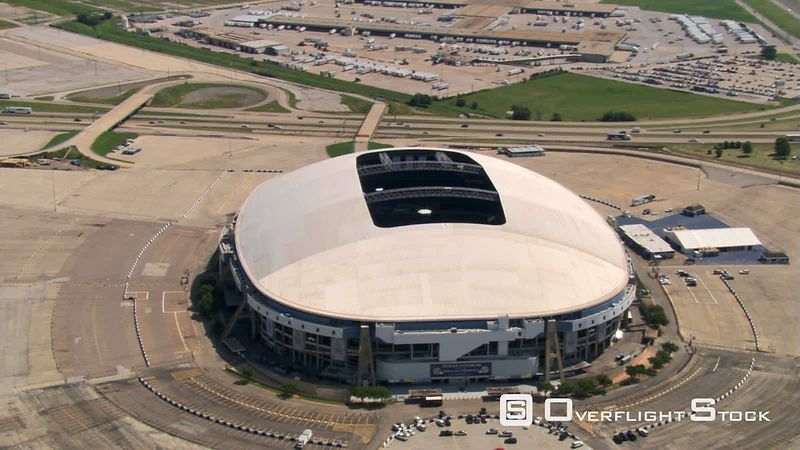 Close flight over Texas Stadium in Dallas