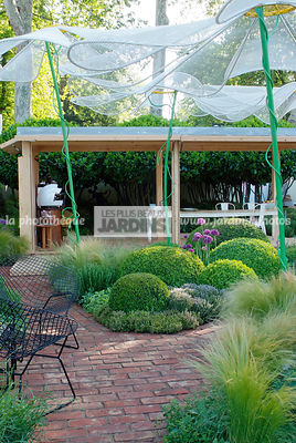 Ball shaped, Buxus, Contemporary furniture, Contemporary garden, Digital, Garden construction, Garden furniture, Garden table, Pavement, Pergola, Sphere shaped, Terrace, Topiary, Umbrella, Common Box, Contemporary Terrace, Wooden Terrace
