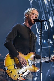 B3955_PaulWellerBournemouth12-11
