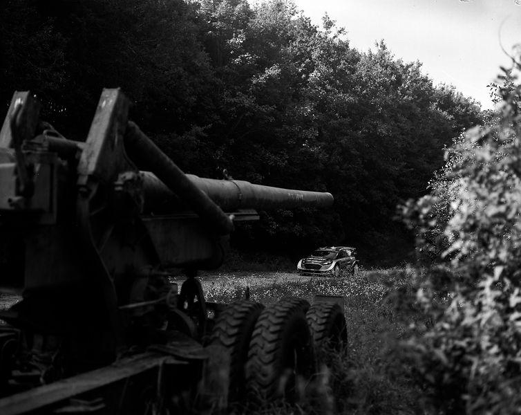 Galerie photo austral noir et blanc pour 30 ans for Chambre 4x5 occasion