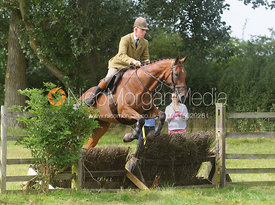 Robert Medcalf - Cottesmore Hunt Relay, The Kennels, Ashwell, 1st September 2013.