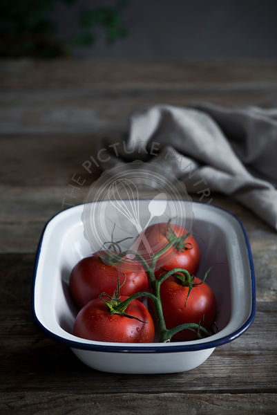 Tomatoes in a baking tray